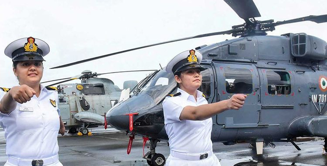 Indian Navy two women officers