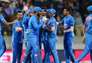 India v Australia team