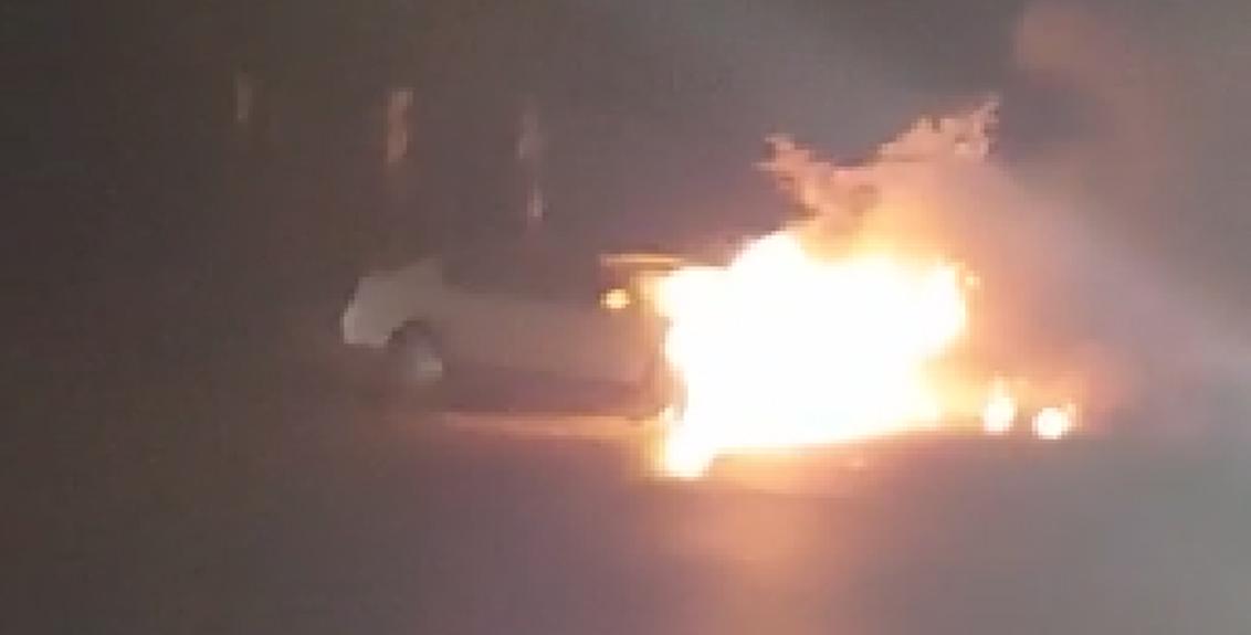 Satara khambataki ghat Car burn