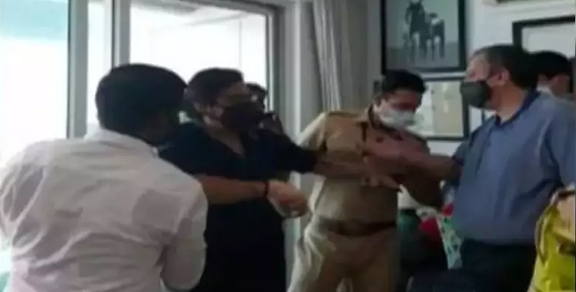 arnav goswami police