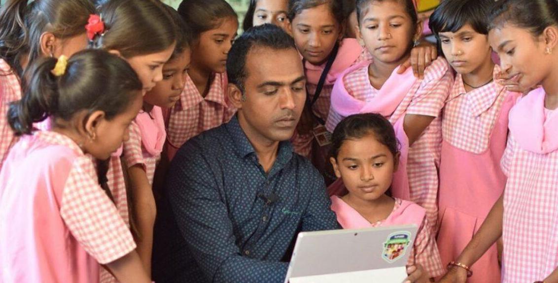 Disley Guruji became the first Indian to receive the 'Global Teacher Prize'