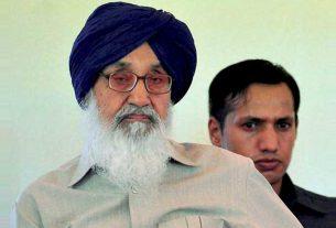 Prakash Singh Badal returned the Padma Vibhushan