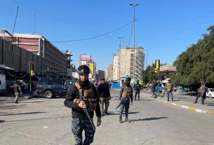 Suicide bomber kills 6 in Baghdad