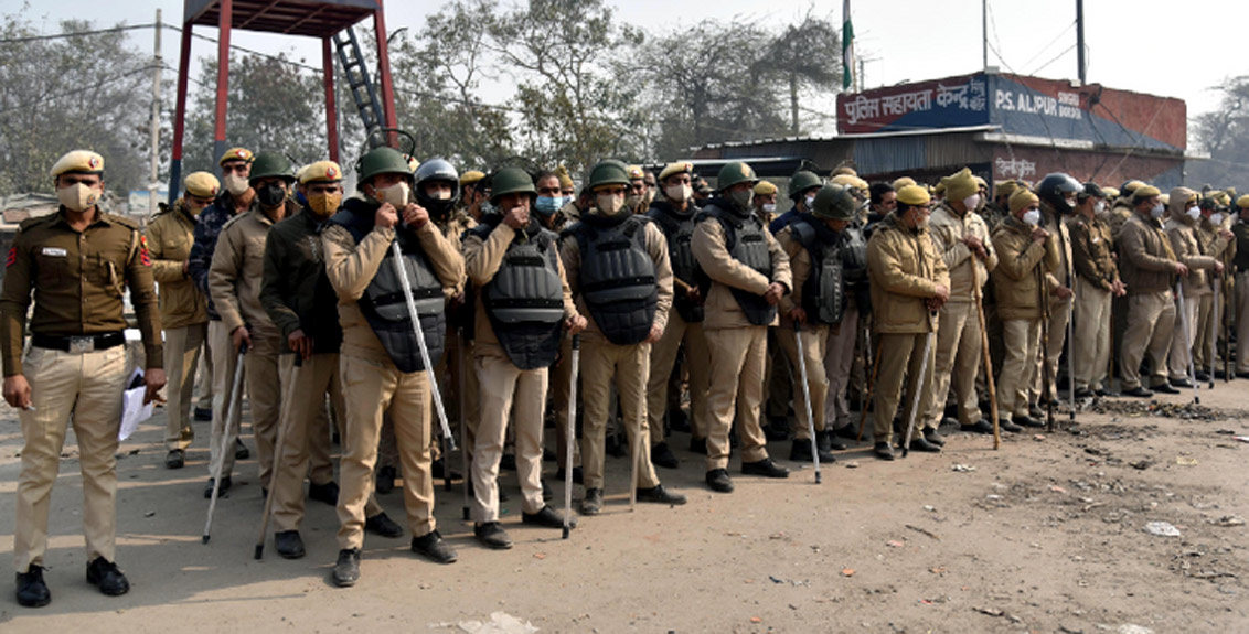 Large police force deployed at Ghazipur and Singhu border