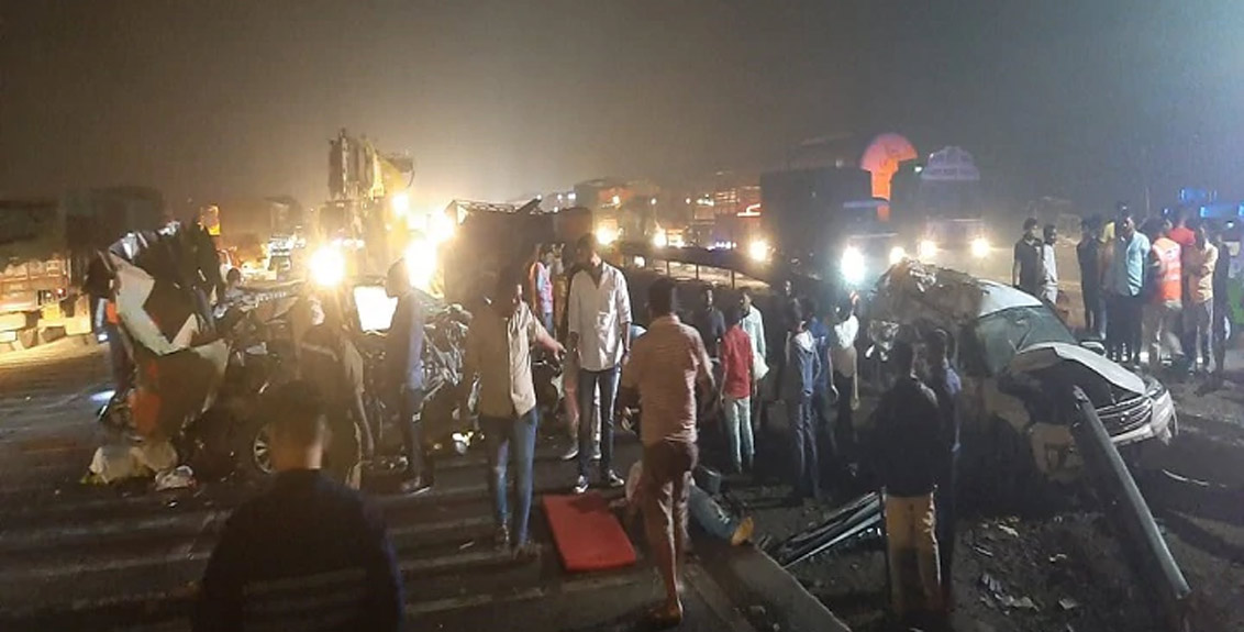 Five killed in Mumbai-Pune expressway accident