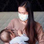 कोरोनाचा संसर्ग झाल्यामुळे बदलला आईच्या दूधाचा रंग, नवीन बाब आली समोर