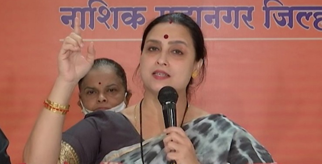 in pooja chavan death case chitra wagh questioned chief minister