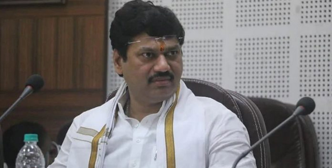 Dhananjay Munde's troubles escalated, his second wife complained of serious allegations
