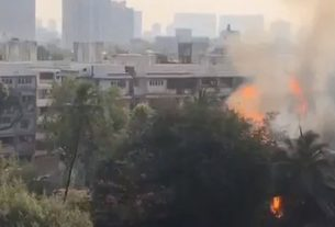 A huge fire broke out in a cylinder warehouse in Versova area