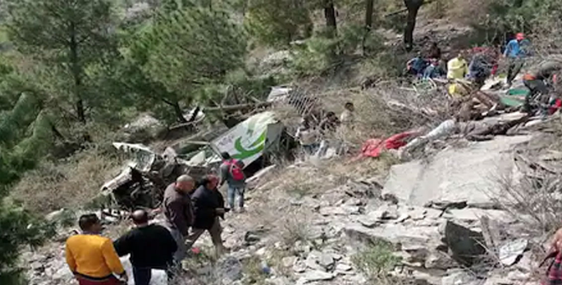 A private bus crashed into a ravine in himachal pradesh