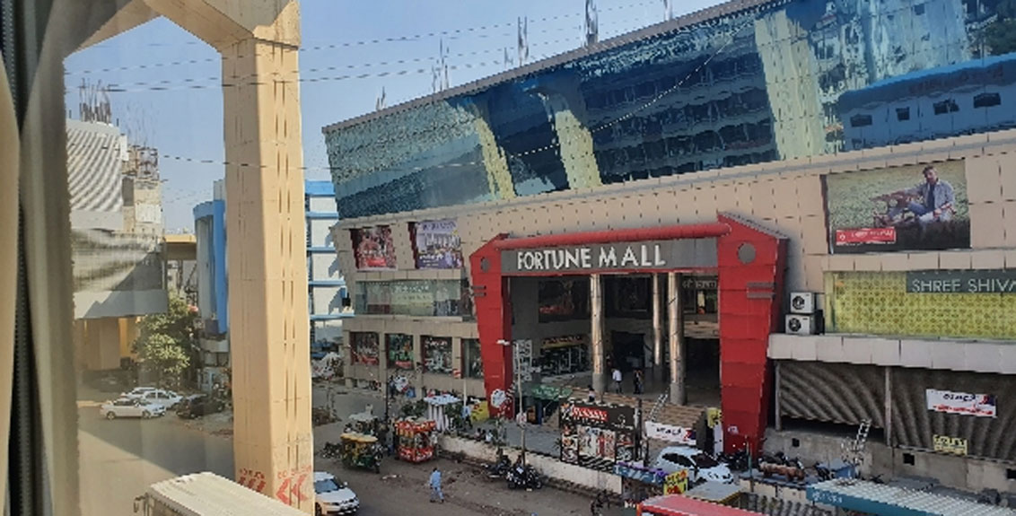 The body of a police officer's son found in a closed mall in Nagpur