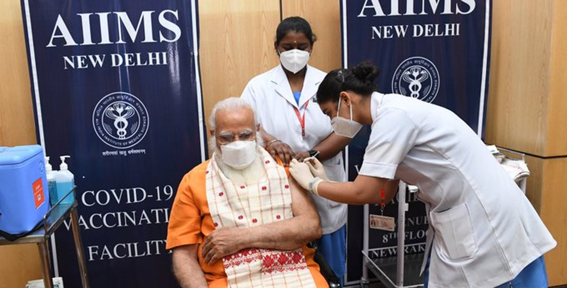 Prime Minister Narendra Modi took the second dose of corona vaccine