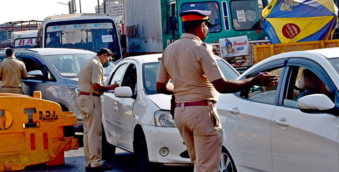 travel pass checking in lockdown in maharashtra