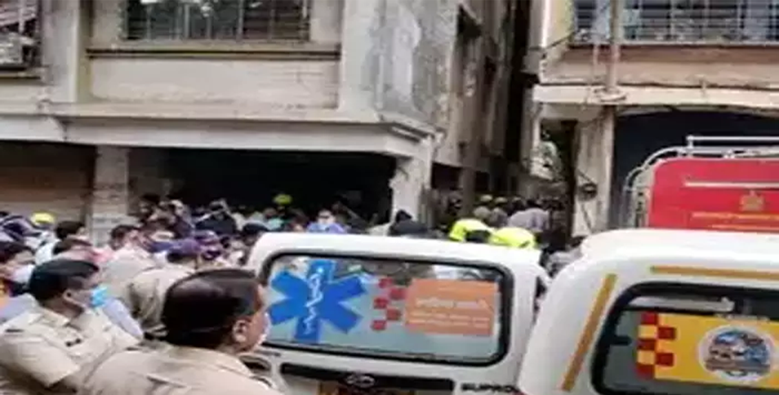 Terrible accident due to collapse of slab of Mohini Palace building at Ulhasnagar