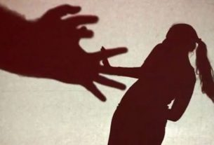 A minor girl was molested by an old man