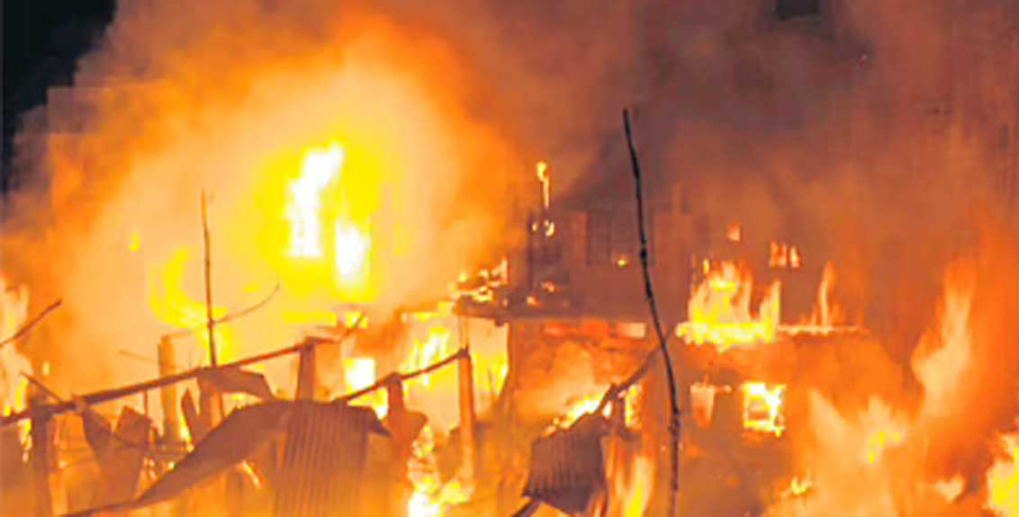 15 junk godowns destroyed by massive fire in bhiwandi