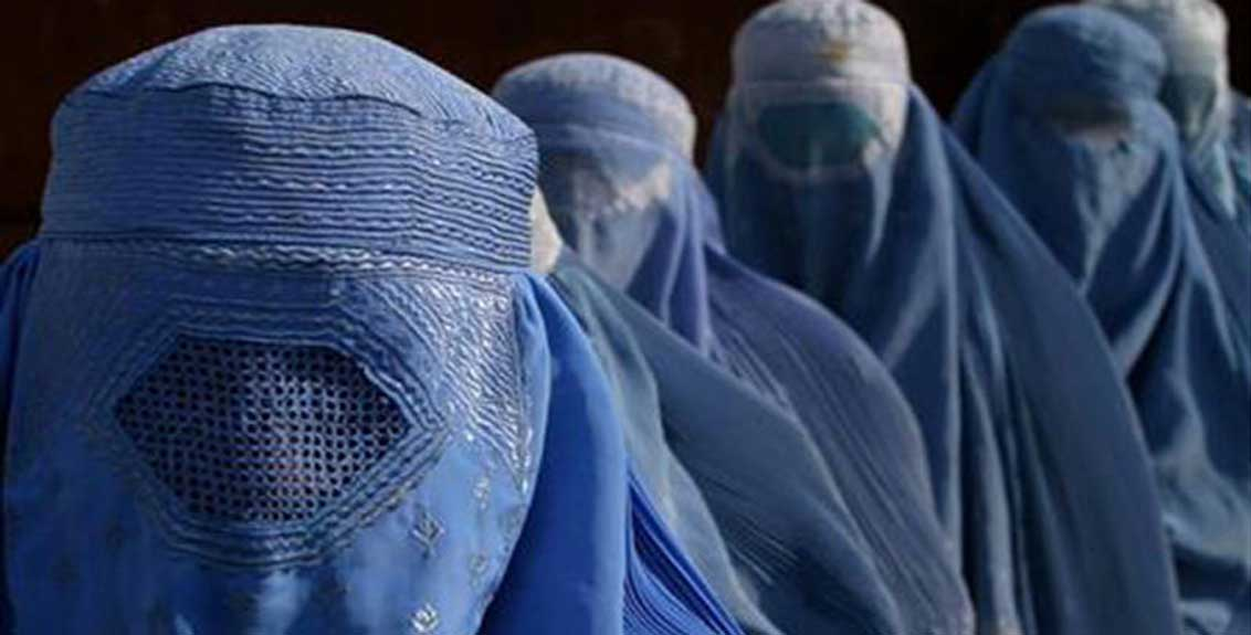 woman shot dead by taliban for not wearing burqa