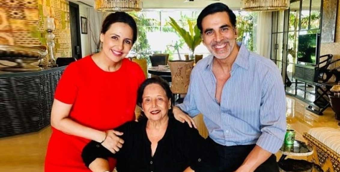 akshay kumar mother is admitted at hospital in a critical condition