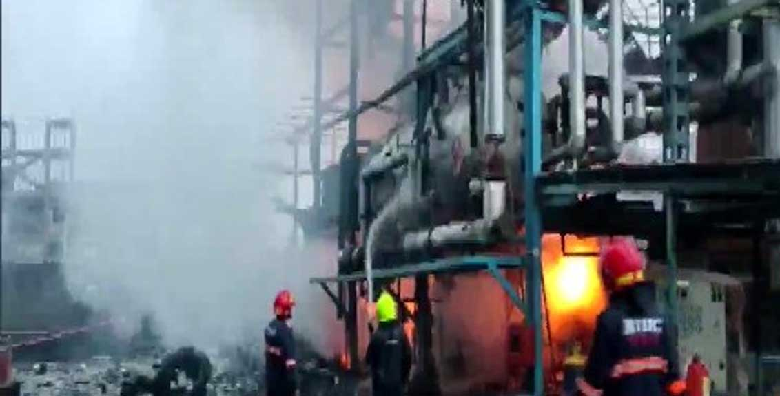 one died, five injured in a fire that broke out due to an explosion at Jakharia Fabric Ltd in Boisar
